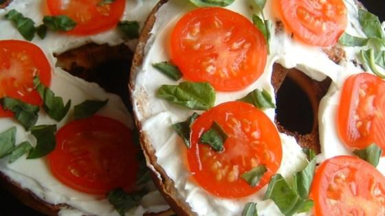 Photo of Queenie's Killer Tomato Bagel Sandwich by PATTQUEEN
