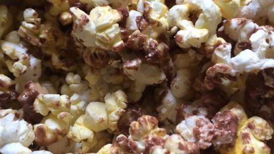 Photo of Candy Bar Popcorn by VETTECHICK99