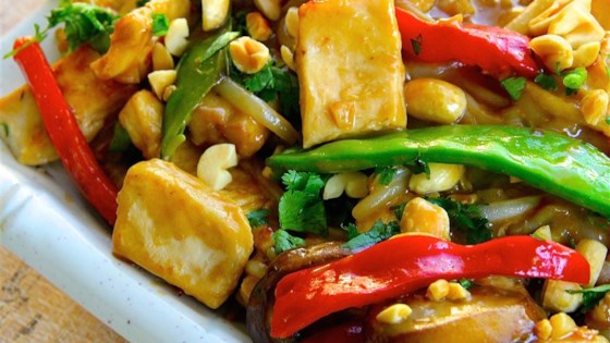 Photo of Thai Peanut Chicken Lo Mein by Tonja