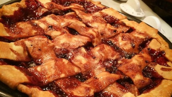 Photo of Apple Blackberry Pie by Annie