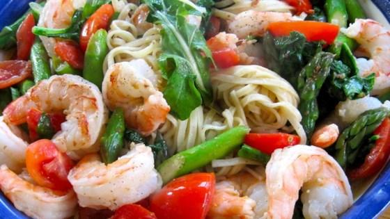 Photo of Creamy Shrimp Pasta Primavera  by Littlechef