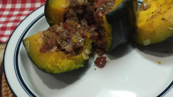 Squash Stuffed With Dates and Onion