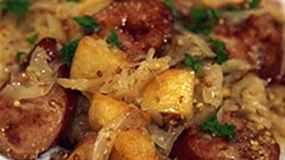 Smoked Sausage with Potatoes, Sauerkraut & Ale