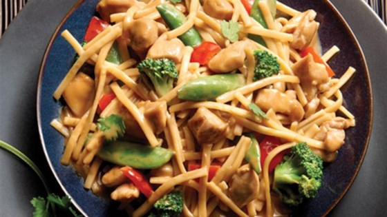 Photo of NO YOLKS® Asian Vegetables and Chicken in a Spicy Peanut Sauce by NO YOLKS®