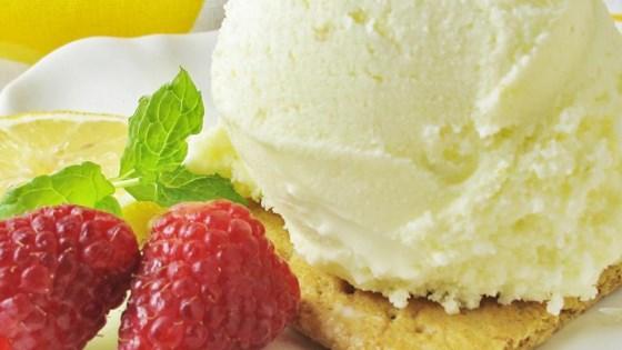 Photo of Super Lemon Ice Cream  by AOSWALT