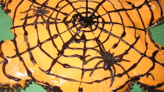 Photo of Pull-Apart Spider Web Cupcakes by Jillybean
