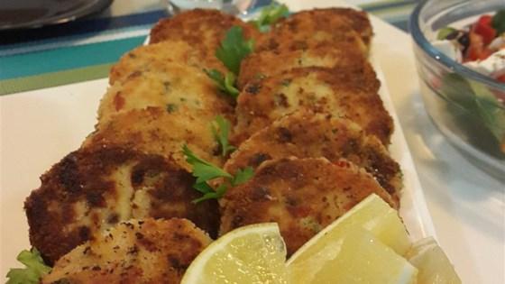 Lori's Famous Crab Cakes Recipe
