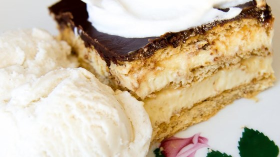 No-Bake Chocolate Eclair Cake Recipe