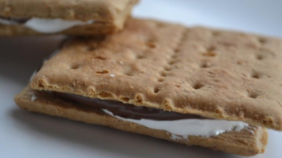 Photo of Easy No-Cook Nutella® Smores by Amber