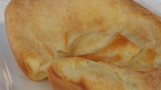 Photo of Simple Yorkshire Pudding by aro-bar