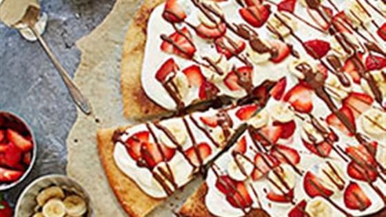 Chocolate Hazelnut Pizza with Strawberries and Bananas