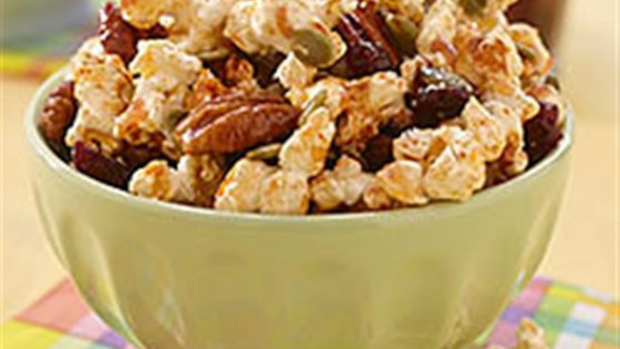 Sweet and Spicy Sriracha Popcorn Mix