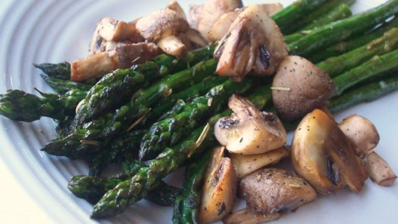 Photo of Roasted Asparagus and Mushrooms by leo67