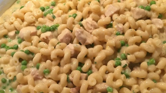Photo of Creamy Chicken Pasta by Melissa