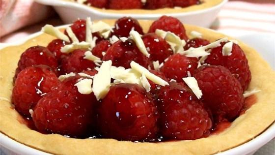 Photo of Raspberry Tart by HELLIPORT