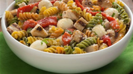 Photo of Catelli Bistro Chicken and Red Pepper Caprese Pasta Salad by Catelli Bistro®
