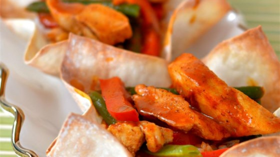 Photo of Jasmine Rice and Red Curry Chicken Wonton Bowls by bd.weld