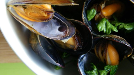 Photo of Drunken Mussels by Chef John