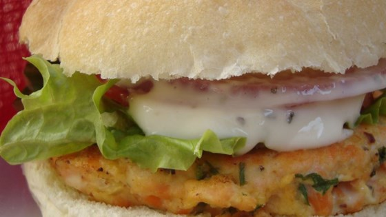 Photo of Yummy Lemon Salmon Burgers by MELDS