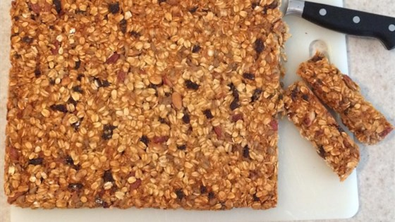 Photo of Sweet and Tart Vegan Granola Bar by AliLigs