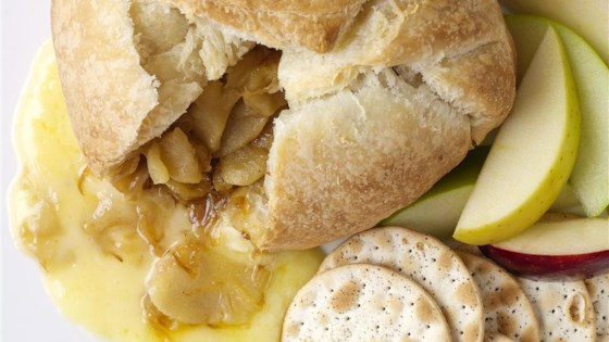 Baked Brie with Caramelized Onions Recipe