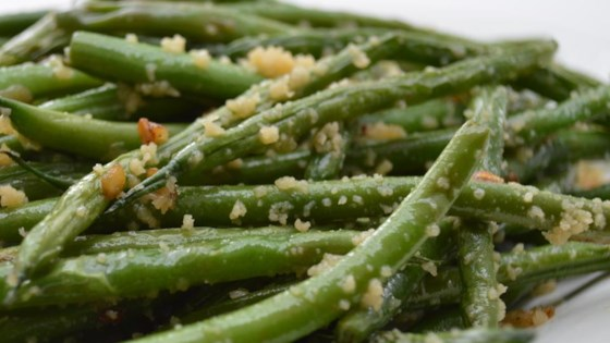 Garlicky Green Beans with Shallot Recipe