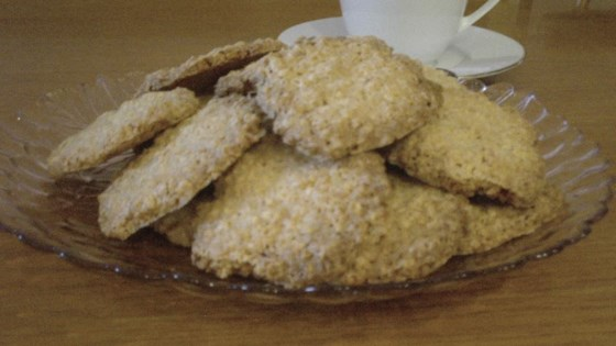Photo of Oatmeal Coconut Thin Crisps by duckigrl10