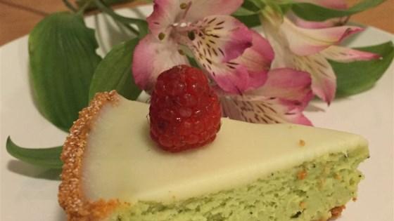 Photo of White Chocolate and Matcha Cheesecake Tart by Elis Hackmann Pereira