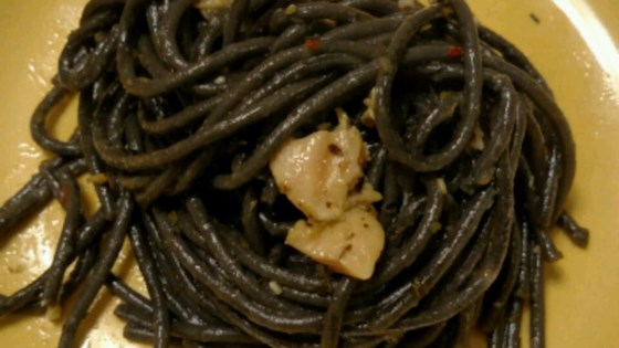 Photo of Ron's Favorite Linguine with White Clam Sauce by lamorris