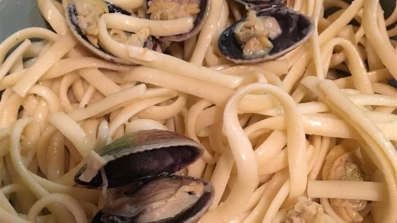 Photo of Spaghetti with White Clam Sauce by ANGCHICK