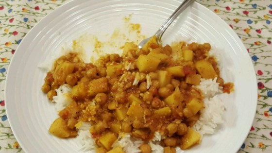 Photo of Easy Chickpea Curry by Juavichar