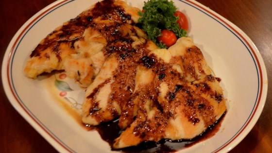 Pan-Seared Chicken with Apple-Red Wine Sauce