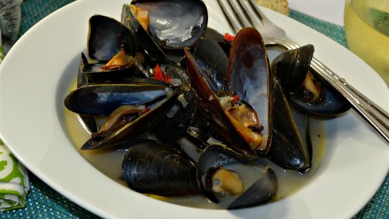 Photo of Mussels in White Wine Sauce by capcomp