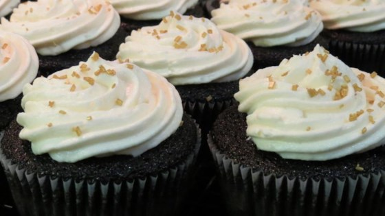 Photo of Chocolate Beer Cupcakes With Whiskey Filling And Irish Cream Icing by MeowTheCow08