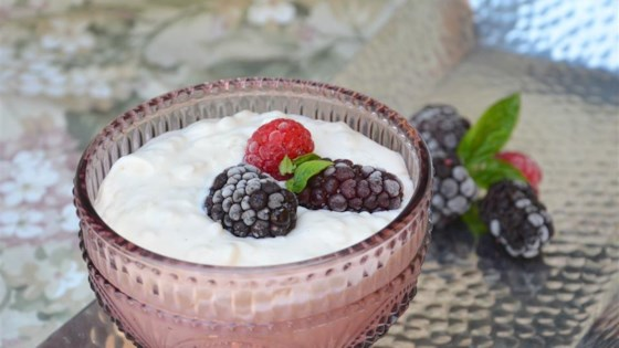 Photo of Kalter Milchreis mit Brombeeren (Cold Rice Pudding with Blackberries) by International Recipes