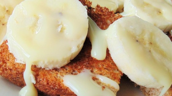 Toast with Banana Topping