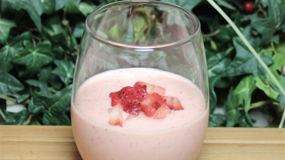 Photo of Creamy Strawberry-Pineapple Smoothie by Claudia