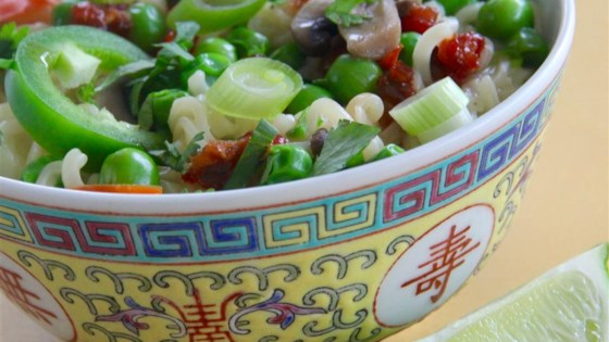 Photo of Superfast Asian Noodle Bowl for 1 by Kristin