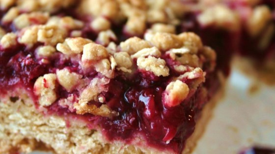 Photo of Delicious Raspberry Oatmeal Cookie Bars by MARBALET