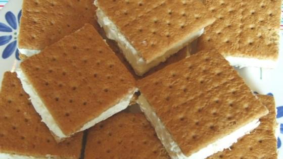 Frozen Pineapple 'Ice Cream' Sandwich Recipe