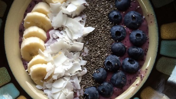 Photo of Blueberry Smoothie Bowl by Alli Shircliff