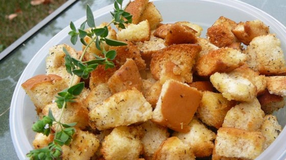 Photo of Old Hamburger Bun Croutons by tashaspice