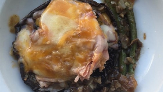 Photo of French-Style Stuffed Portobellos with Green Beans by Cally