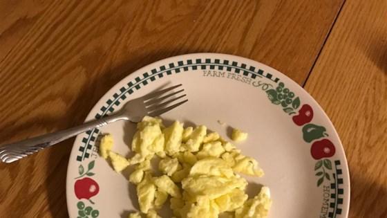 Easy Fluffy Scrambled Eggs