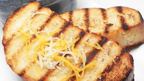 Photo of Garlic Bread (Molho de Alho) by kroito