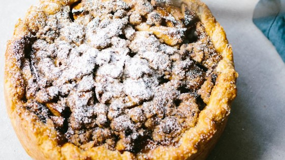 Caramelized Maple Apple Pie with Candied Bacon Crumble