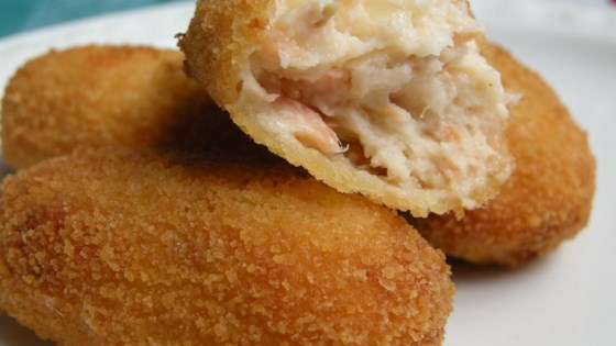 Photo of Salmon Croquettes by JENLYNN57