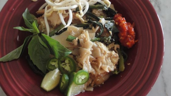 Photo of Pad See Ew (Thai Noodles with Beef and Broccoli) by Lynda Q