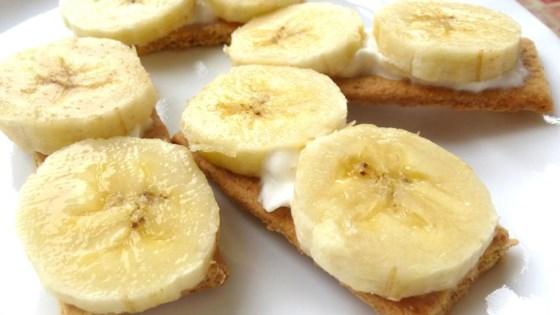 Photo of Tiny Banana Cream Pies by Pipylongstocking