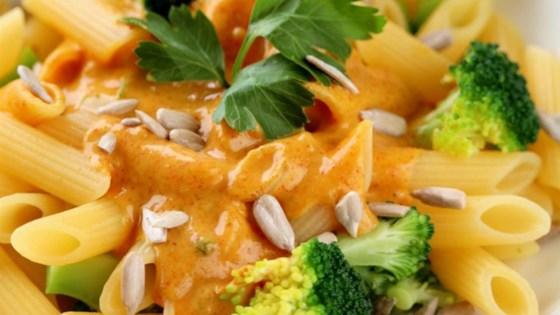 Photo of Vegan Thai Mac n Cheese by chrisverk